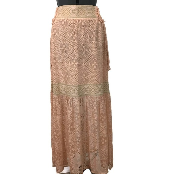 Large NWT Anthropologie Maxima Lace Skirt by Queen /& Pawn Size Medium